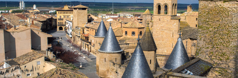 Los 9 pueblos m s bonitos de espa a the idealist for Oficina turismo olite